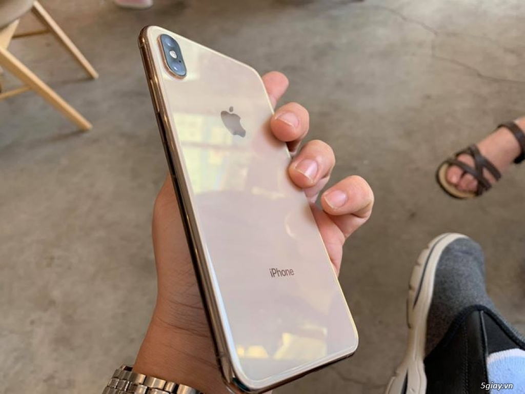 Iphone Xs Max Gold 256 GB - 1