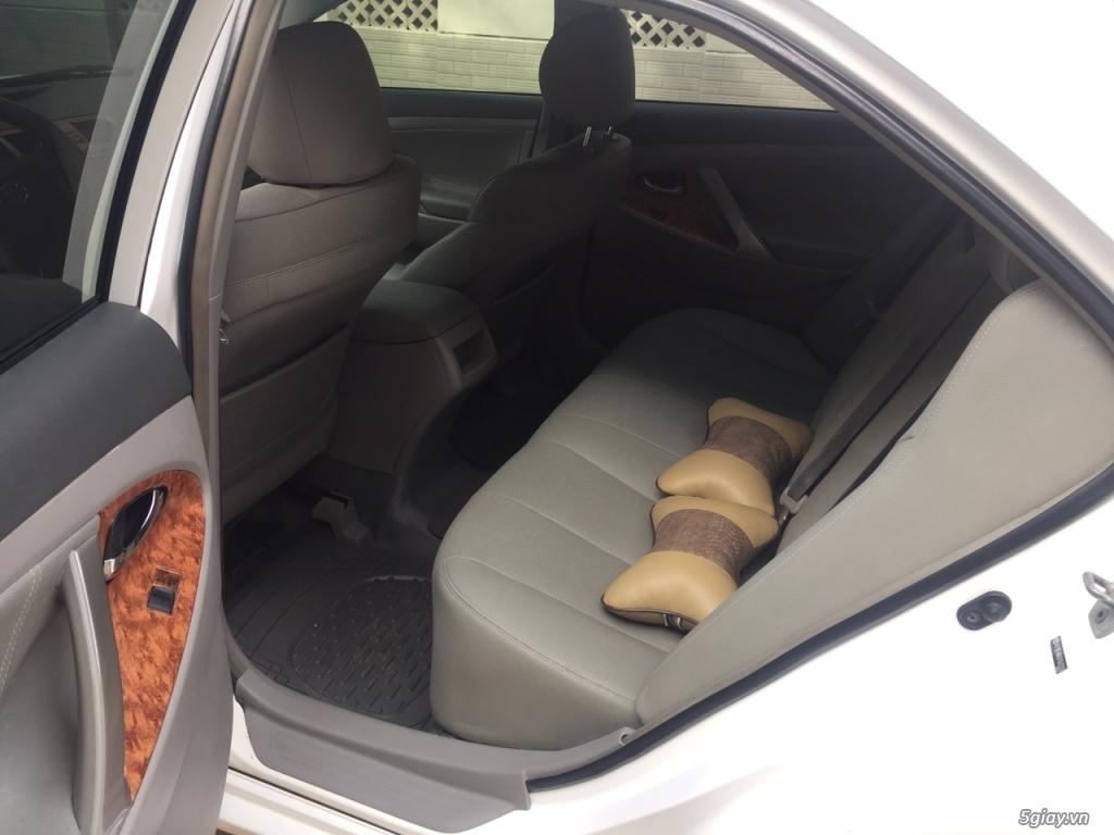 Cần bán xe Toyota Camry LE 2007 màu trắng nhập Mỹ - 9