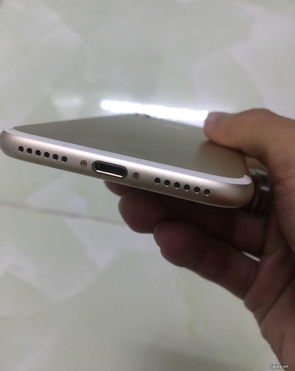 Iphone 7 Gold Quốc tế 32gb,phụ kiện rin theo máy từ lúc đập hộp