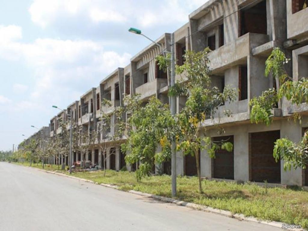 Cần ra gấp 2 căn nhà thô liền kề tại KCN Bình Minh - 1