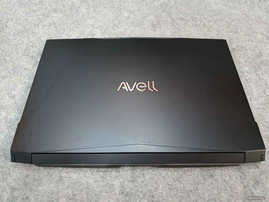 Gaming Avell core I7 8750H RAM DDR4 16G SSD256G + HDD 1T GTX 1050TI 4G - 1