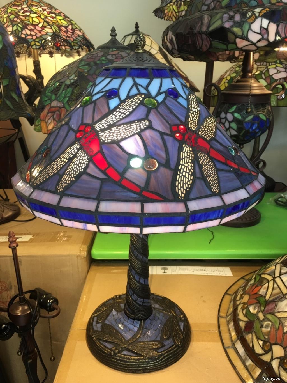 Đèn bàn Tiffany họa tiết chuồn chuồn