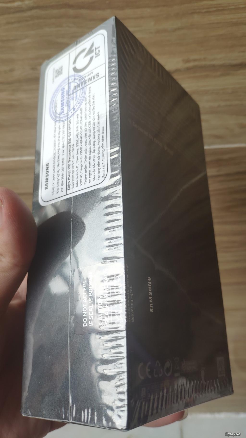 Galaxy S10 plus - prism white - 128gb chính hãng - fullbox nguyên seal - 1