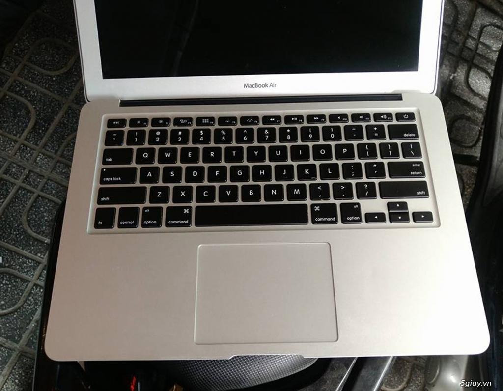 Macbook Air 13.3in- - 2013 -i5 cpu 1.3ghz, 4G ram , 256G