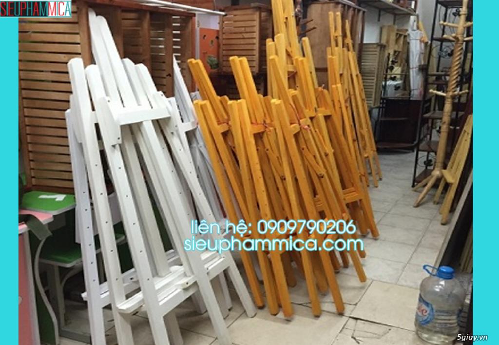 Cung cấp standee gỗ có sẵn cao 1m3 - 2