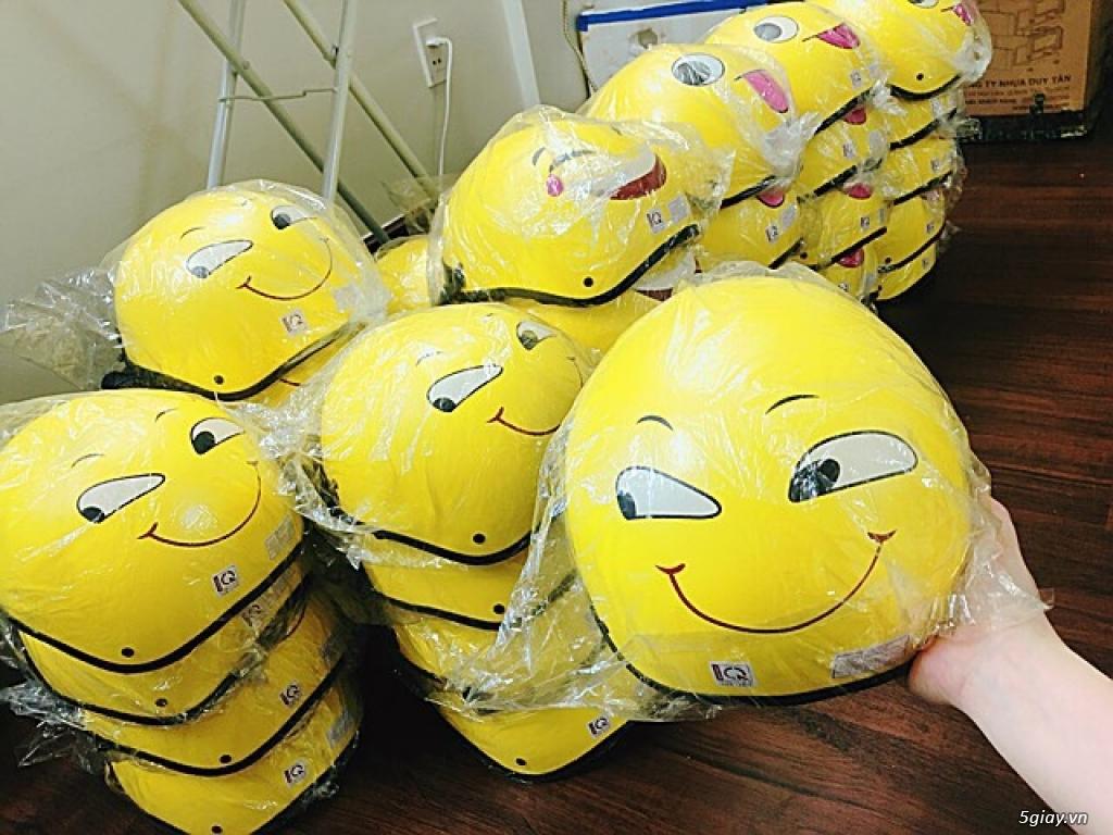 Nón bảo hiểm màu vàng hình icon mặt cười các loại - 1