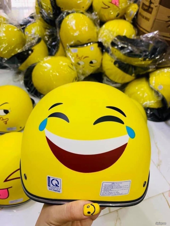 Nón bảo hiểm màu vàng hình icon mặt cười các loại - 3