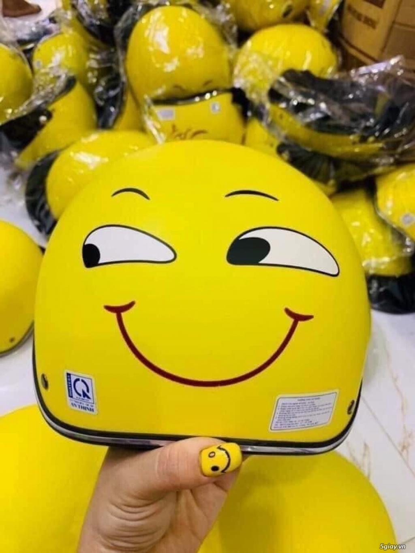 Nón bảo hiểm màu vàng hình icon mặt cười các loại - 2