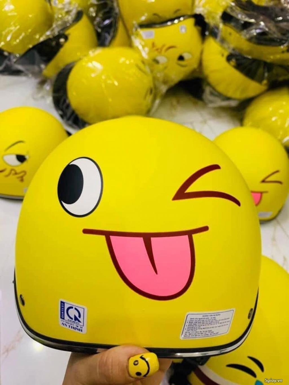 Nón bảo hiểm màu vàng hình icon mặt cười các loại - 4