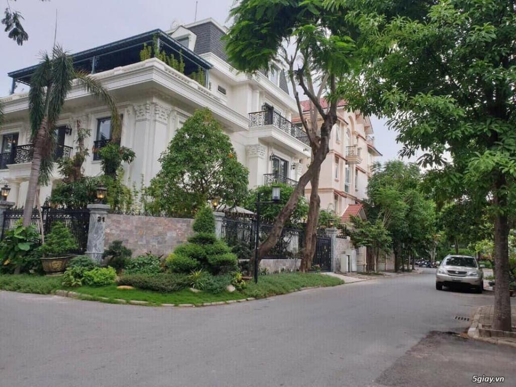 Biệt Thự Sân Vườn 2 Mặt Tiền Đường Trần Văn Giàu, Bình Chánh