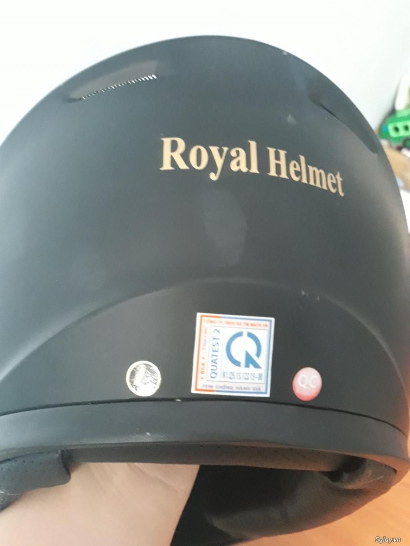 Mũ bảo hiểm Royal M136 trơn vỏ ngoài làm bằng hạt nhựa ABS chịu lực