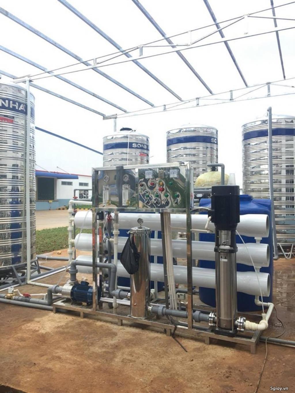 Lắp đặt hệ thống lọc nước tinh khiết đóng bình