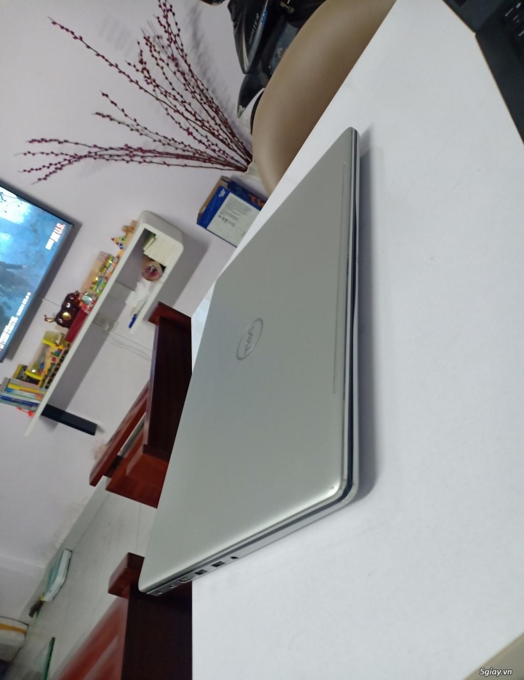 Dell Inspiron 7570: i7-8550U/ 8GB/ 128GB + 1TB/ VGA 940MX 4G - 2