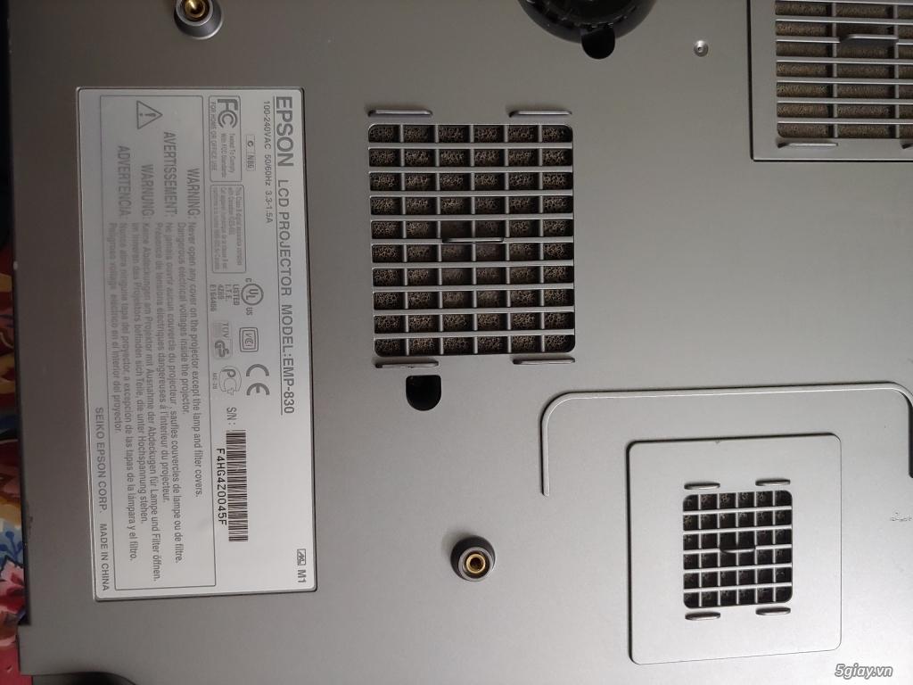 Epson EMP-830 LCD Projector 3000 LUMENS - 1