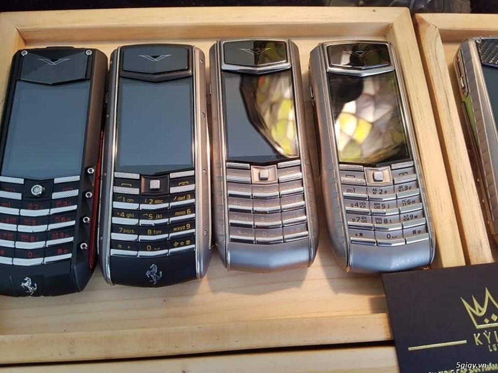 Ông hoàng điện thoại chính hãng Vertu // Nokia 8800 - 6700 - Mobiado - 19
