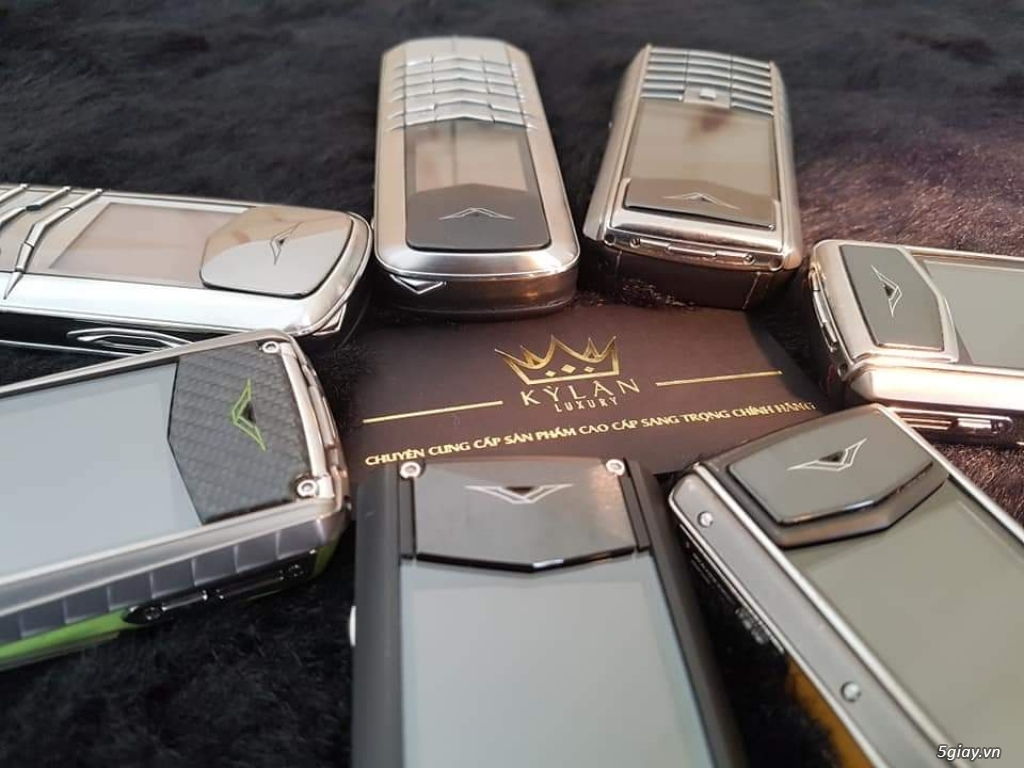 Ông hoàng điện thoại chính hãng Vertu // Nokia 8800 - 6700 - Mobiado - 14