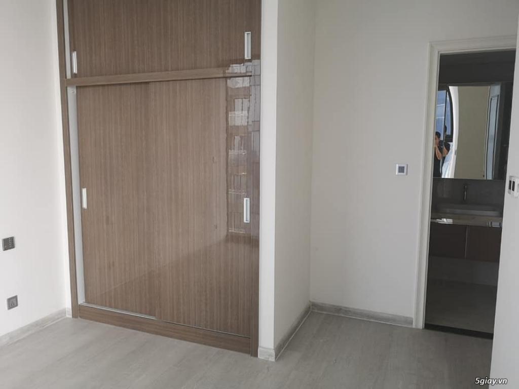 chuyên bán và cho thuê căn hộ vinhomes bason Quận 1 .LH : 0979.669.663 - 1