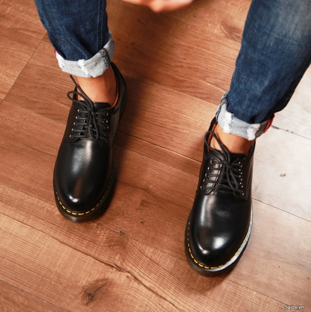 Giày dr martens Cổ thấp 8053 Black Made In Thailand - 4