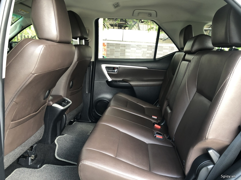 Toyota Fortuner model 2018 máy xăng, số tự động. xe toàn để nhà. - 5