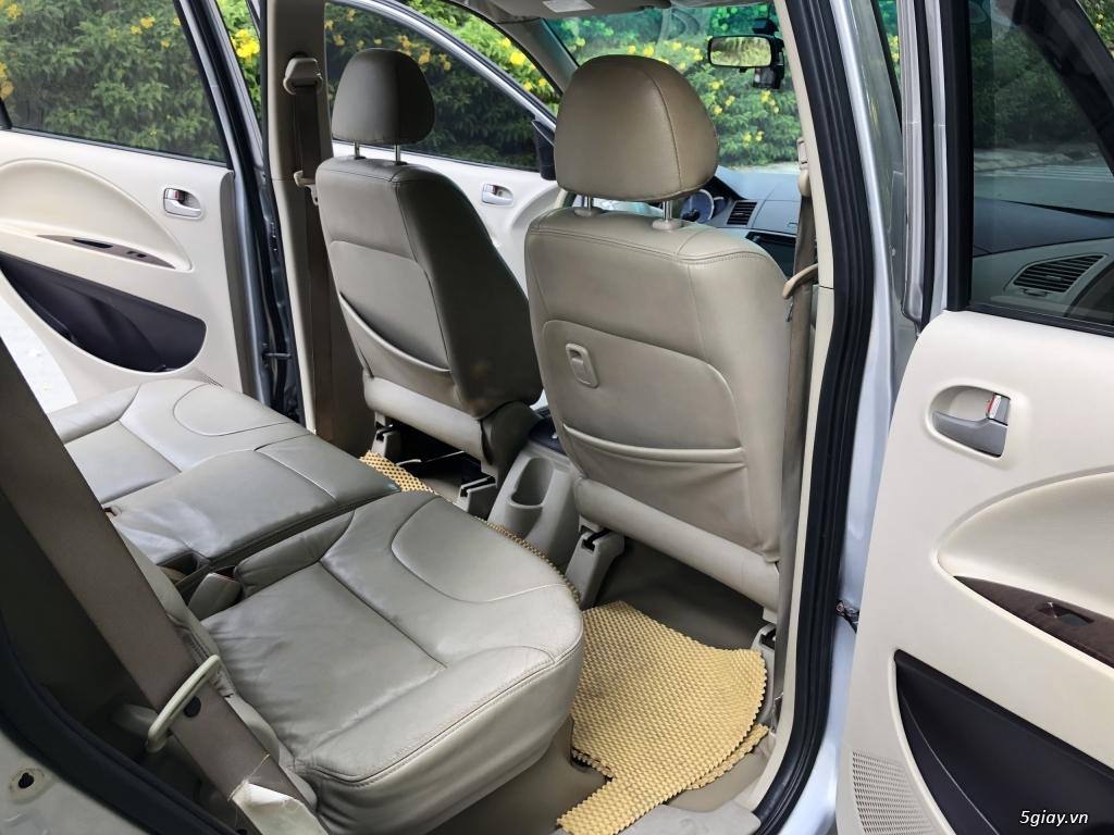 Cần bán Mitsubishi Zinger 2010 số tự động, màu Bạc - 1