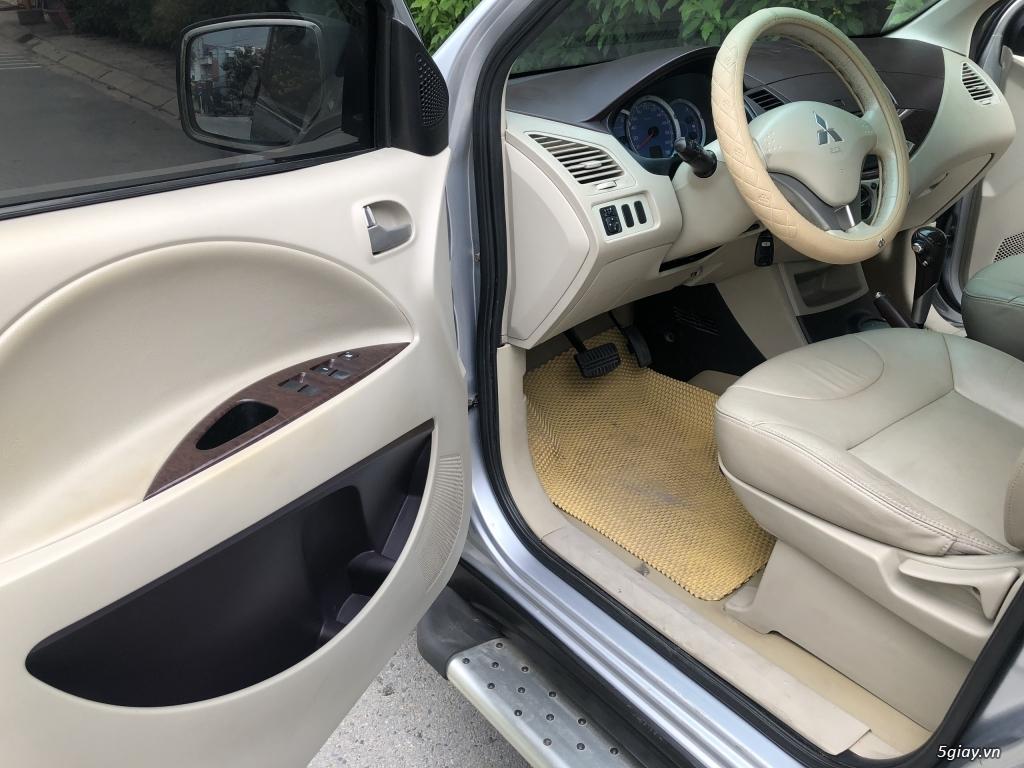 Cần bán Mitsubishi Zinger 2010 số tự động, màu Bạc - 7