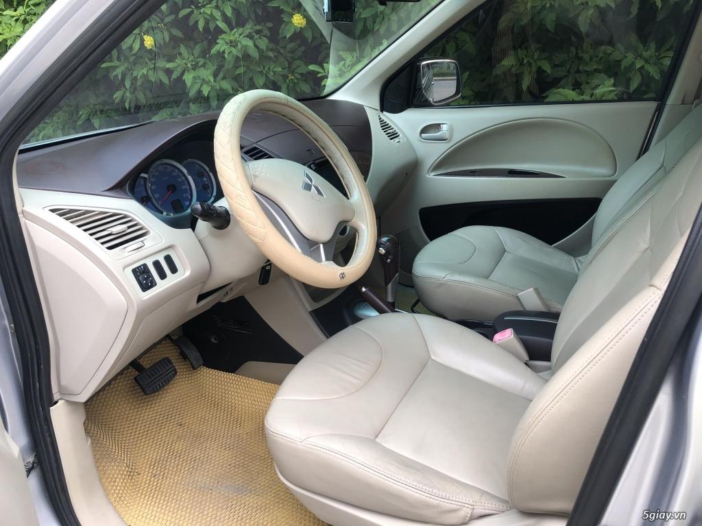 Cần bán Mitsubishi Zinger 2010 số tự động, màu Bạc - 2