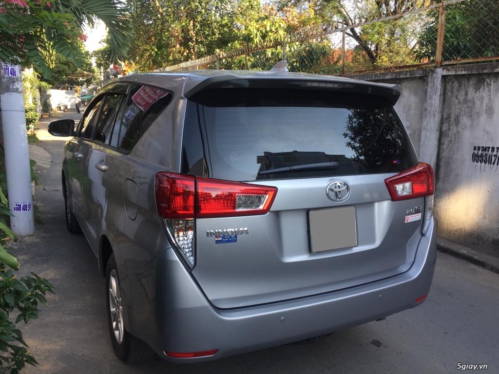 Bán Toyota Innova 2018, số sàn, màu xám, odo 33.000 km - 4