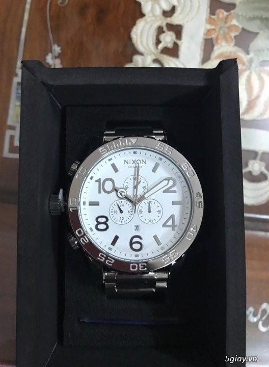 Đồng hồ Nixon, giày adidas ultra boost - 1