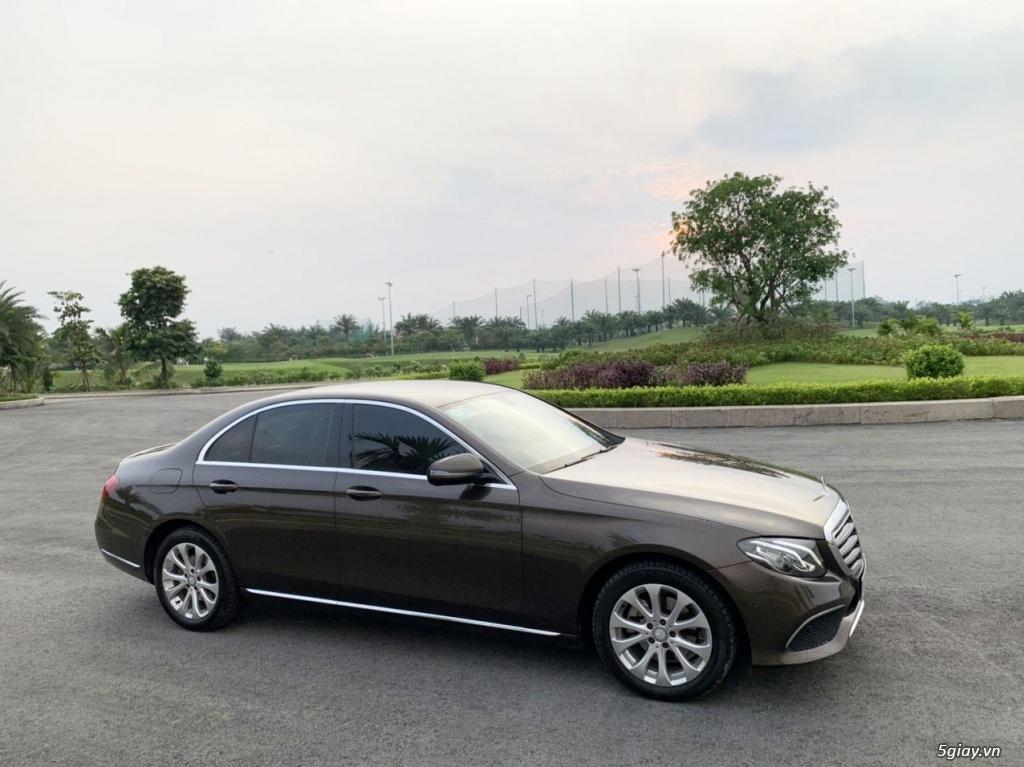 Cần bán xe E200, model 2017, số tự động, màu da lương cực đẹp - 4
