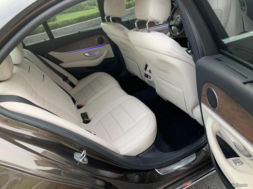 Cần bán xe E200, model 2017, số tự động, màu da lương cực đẹp - 1