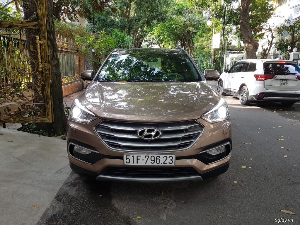 Đổi xe. Bán gấp Hyundai Santa Fe 4WD - Màu Nâu full option. - 1