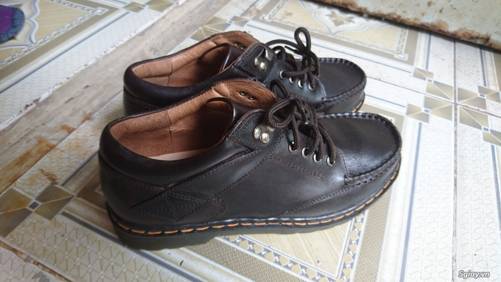 Đổi đôi giày Clark da bò