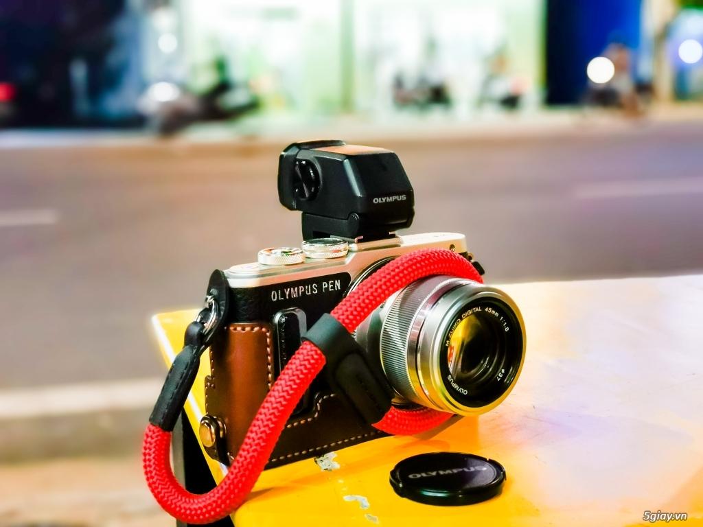 Cần bán máy ảnh Olympus epl8 lens mzuiko 45mm f1.8