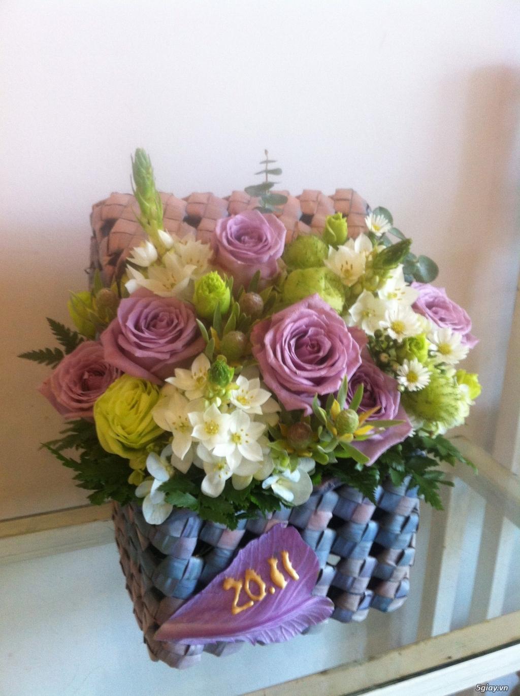 Giỏ hoa nhỏ trang trí ngày Tết
