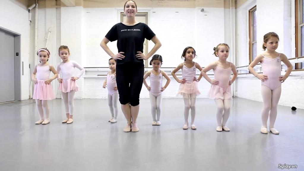 Tuyển Giáo Viên Dạy Múa Ballet Mầm Non