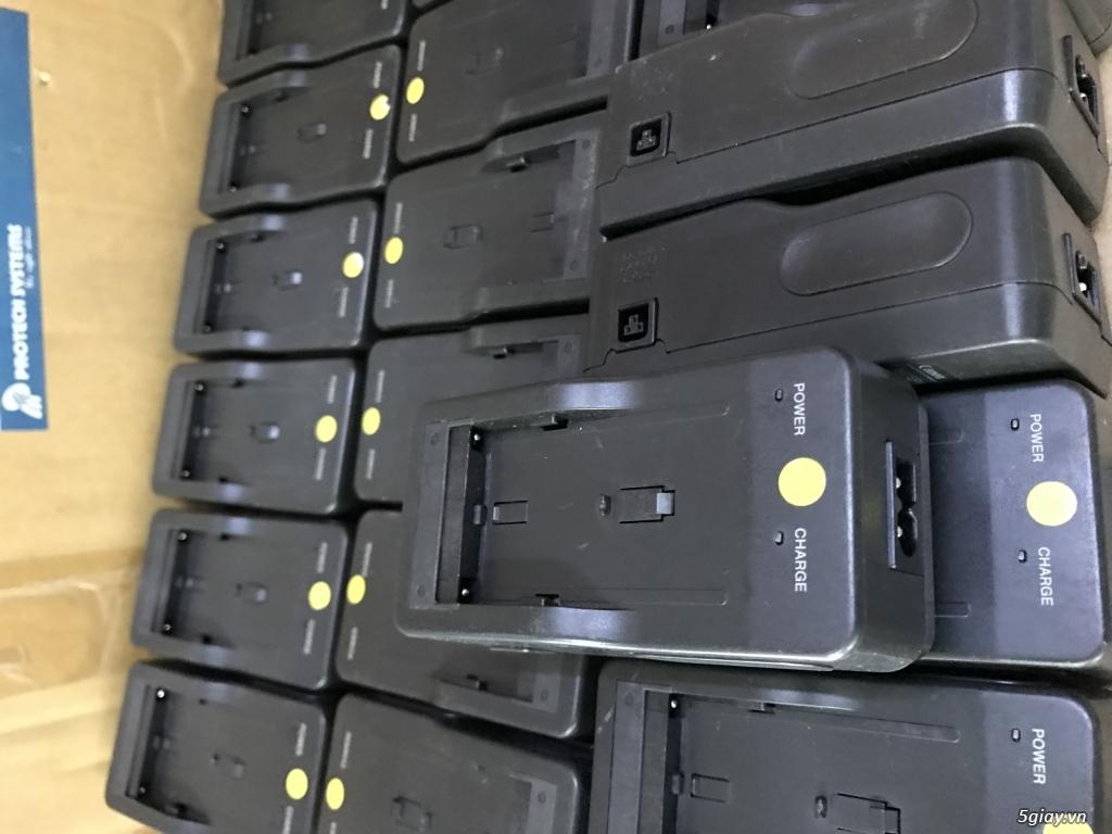 Sạc pin máy quay đèn SONY pin L F970 - 6