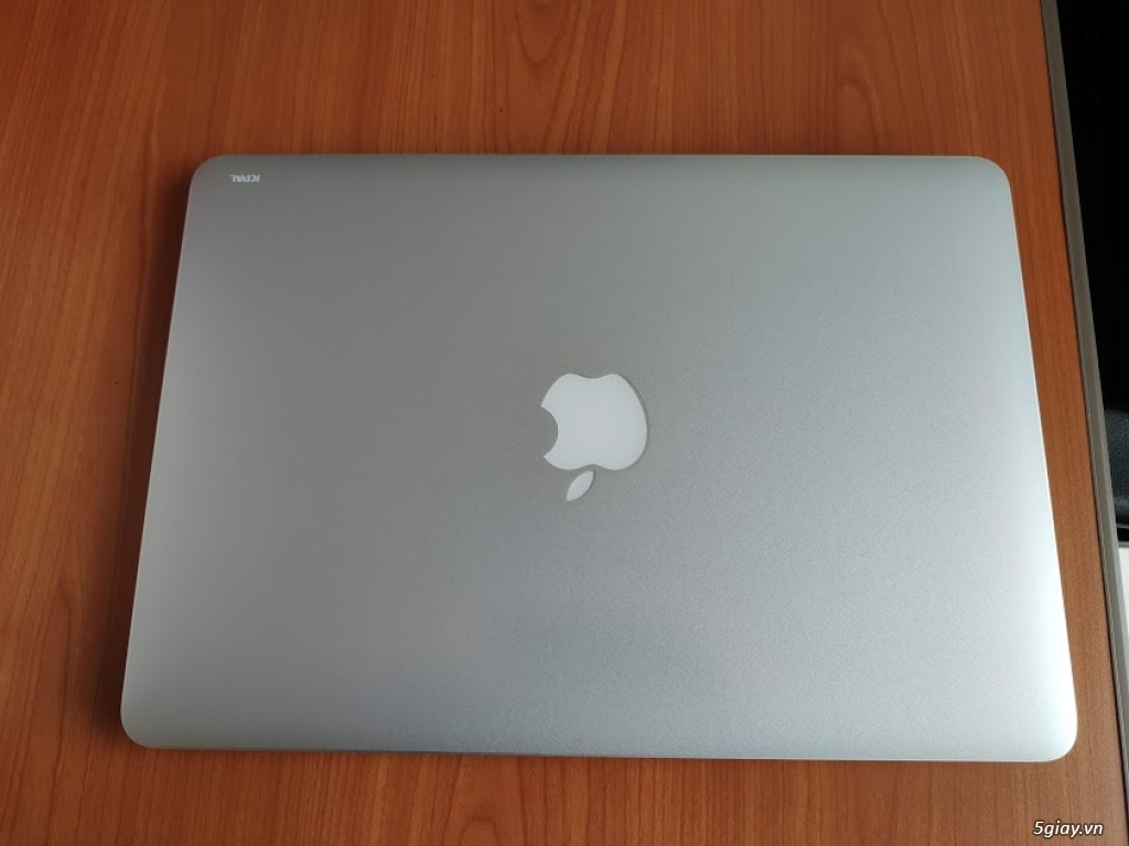 MacbookPro MF840 like new