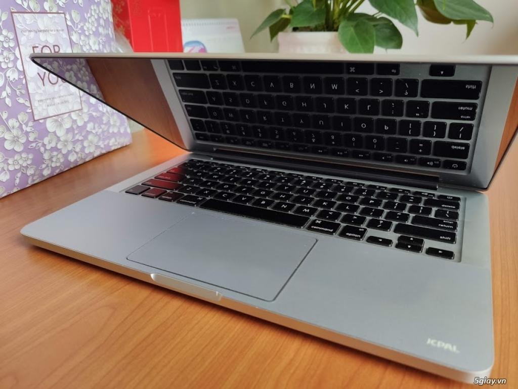 MacbookPro MF840 like new - 3
