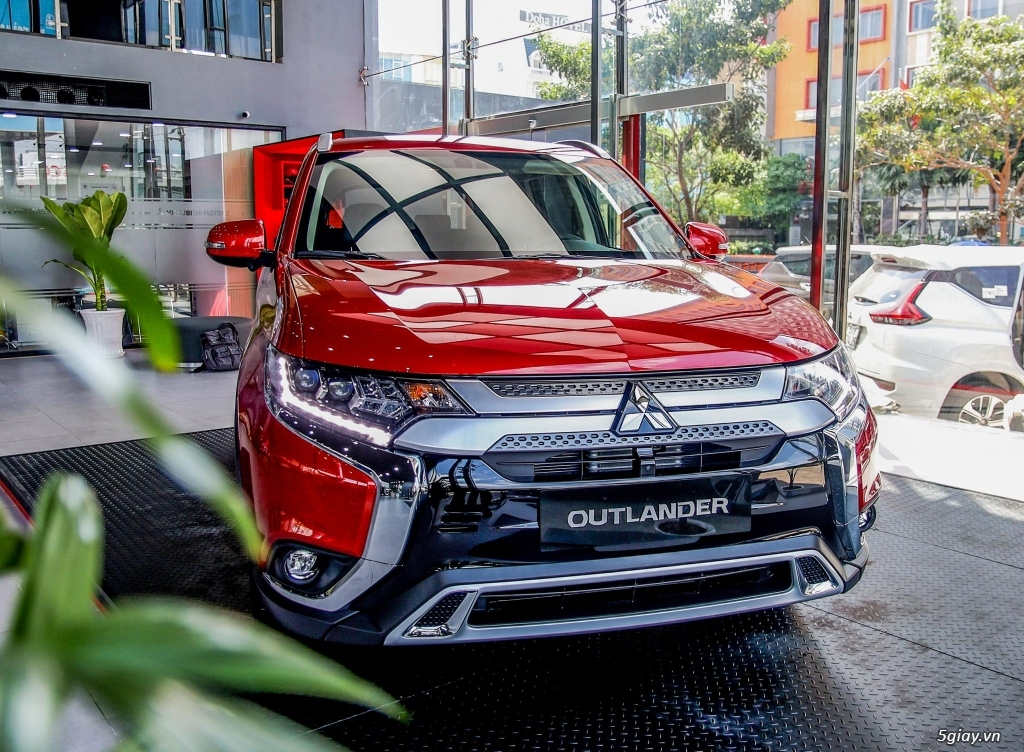 Mitsubishi OUTLANDER 2020 - 3