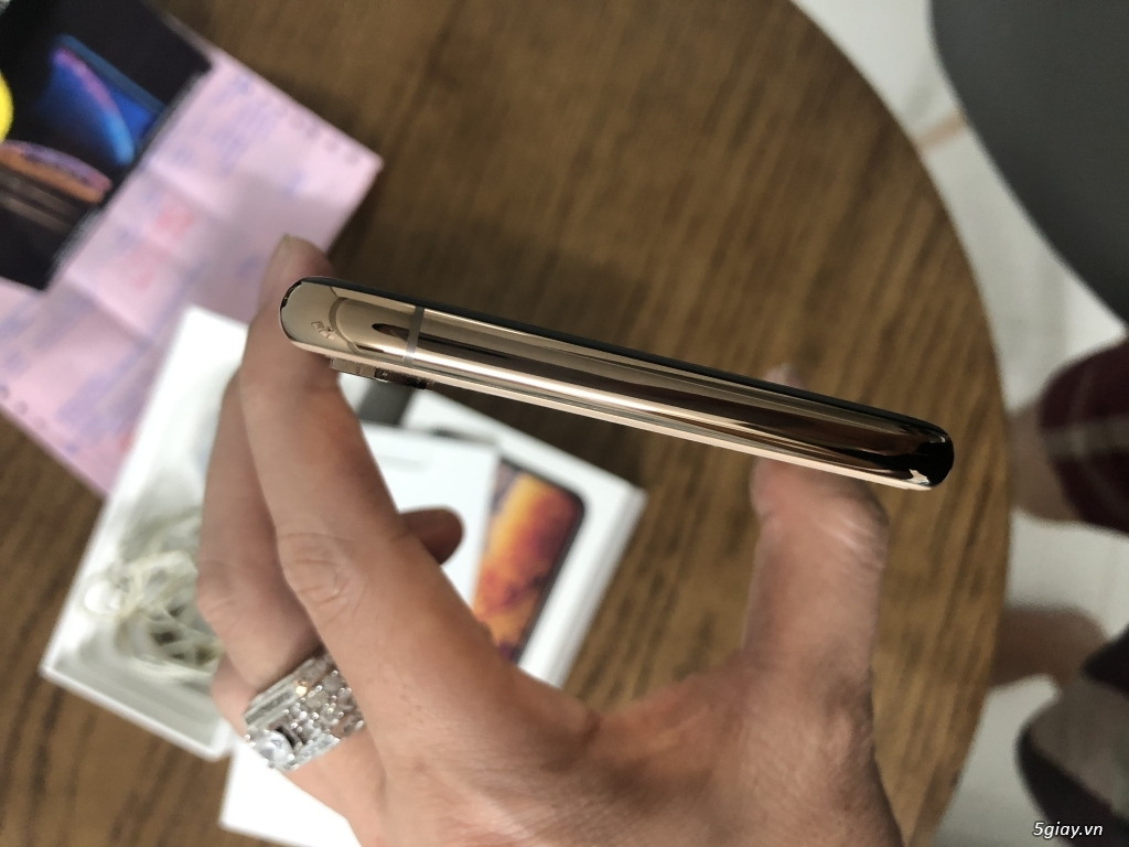 Bán iphone xs max 64gb Gold bản quốc tế 2 sim ZA/A fullbox... - 1
