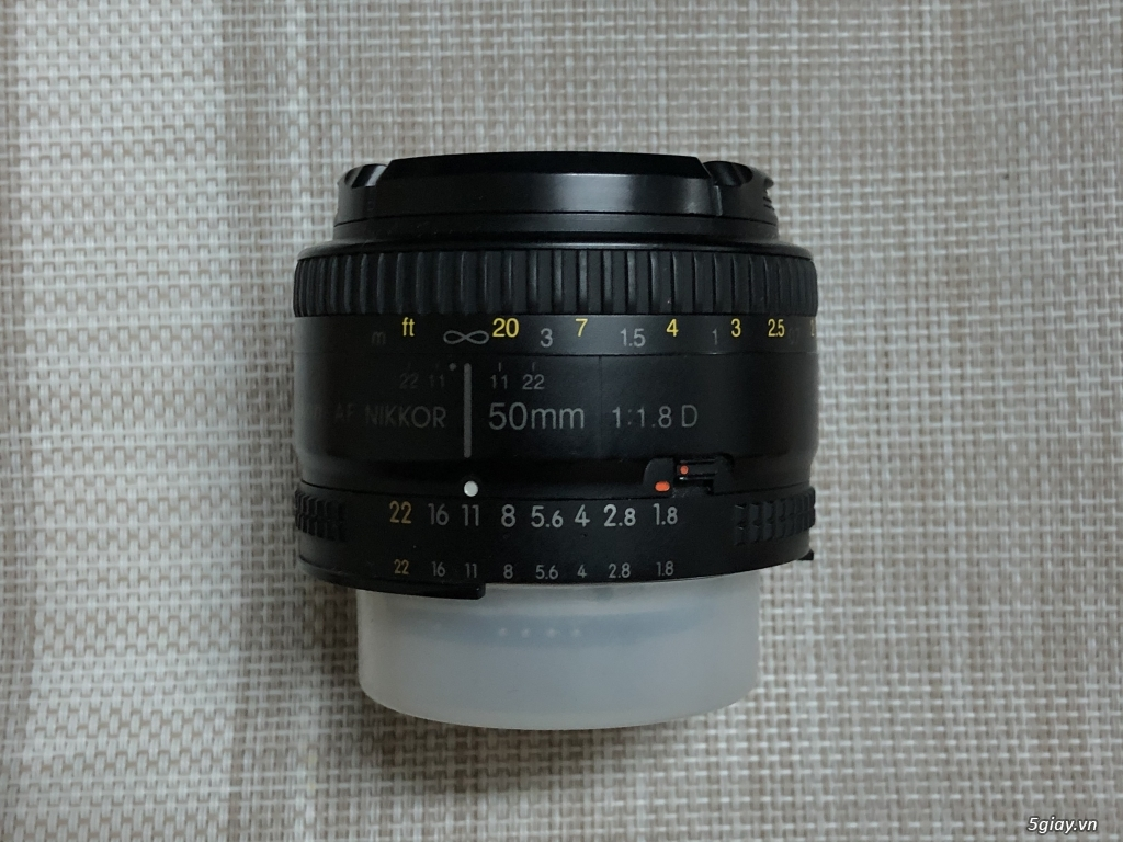Cần bán : Flash nikon sb600, Lens nikon 50 1.8d, godox sony tt350, pin