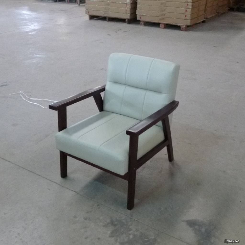 HW147 Ghế sofa đơn bọc simili khung gỗ tràm - 1