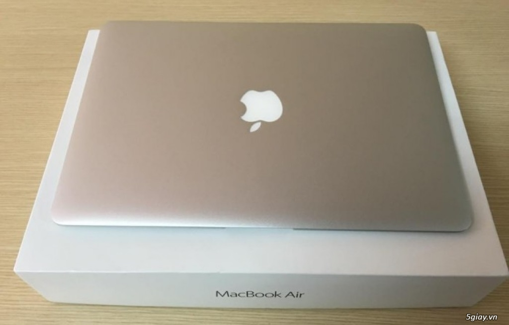 Macbook air 2017 MQD32SA/A mới 100% chưa active - 2