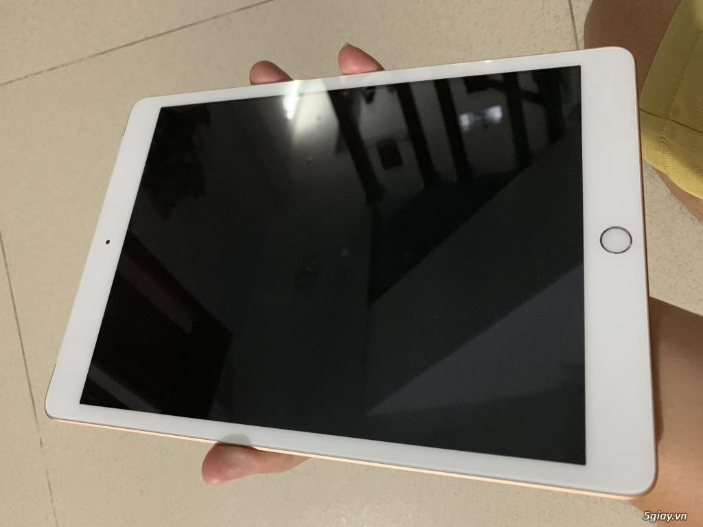 iPad Gen 7 32Gb Wifi + 4G màu Gold, mới 99%