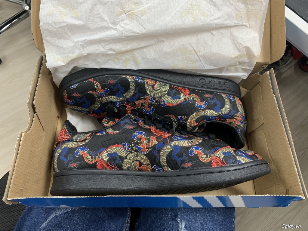 Giày Adidas Stan Smith Dragon Print Size 9 - 2