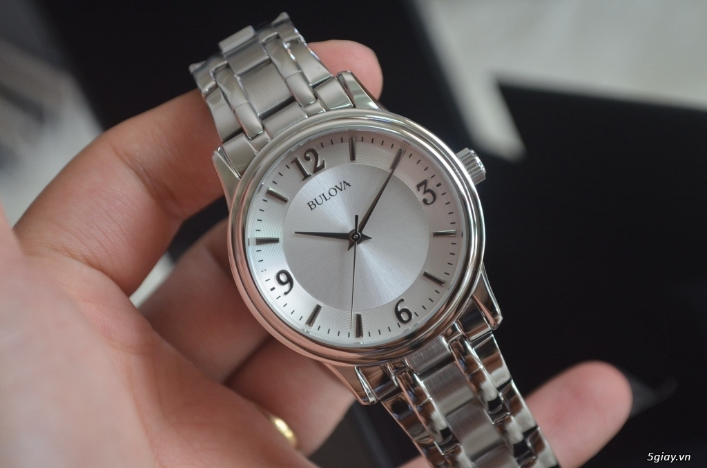 Thanh lý đồng hồ BULOVA mỏng, lịch lãm giá SHOCK