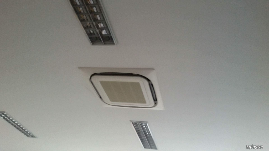 Thiết kế hiện đại - Máy Lạnh Âm Trần Daikin FCNQ48MV1/RNQ48MY1