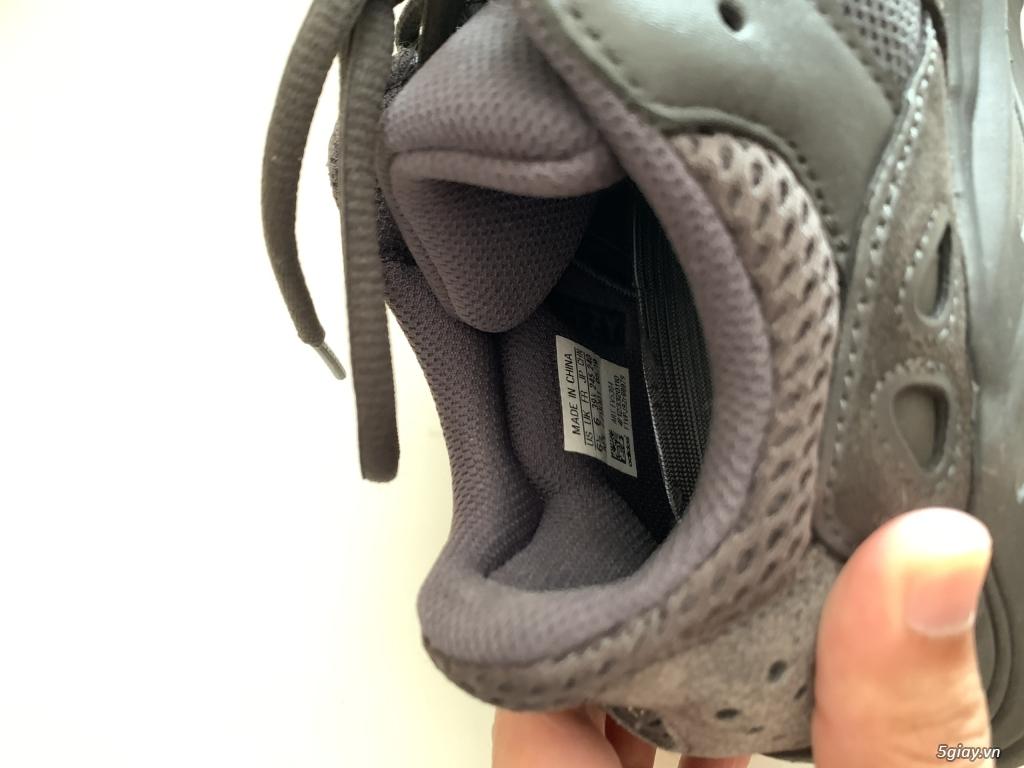 adidas Yeezy Boost 700 Utility Black - 2