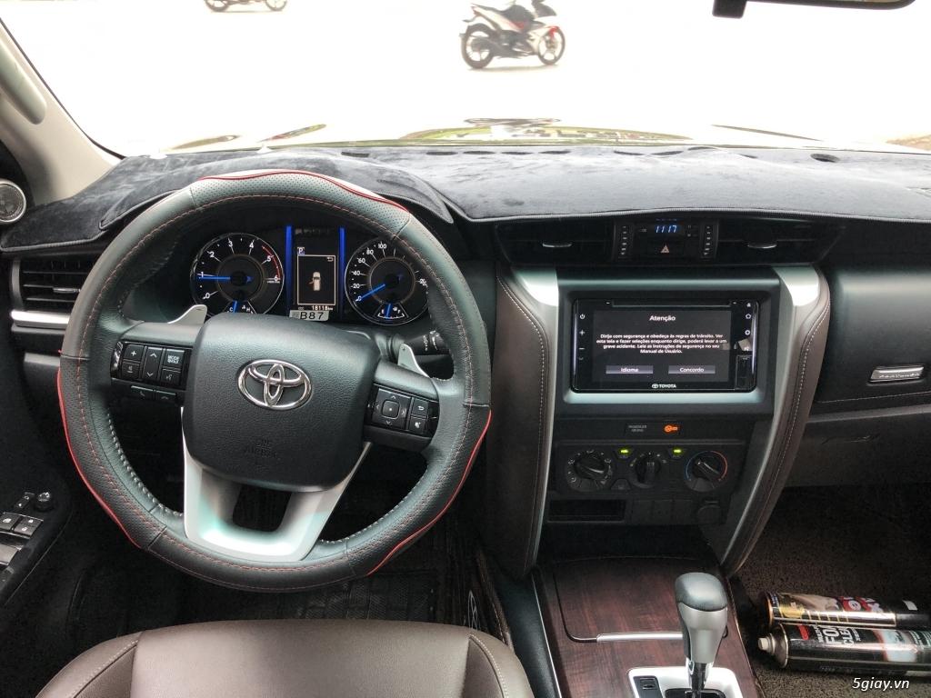 Bán Toyota Fortuner Máy Dầu Số Tự Động Model 2020 Siêu lướt - 3