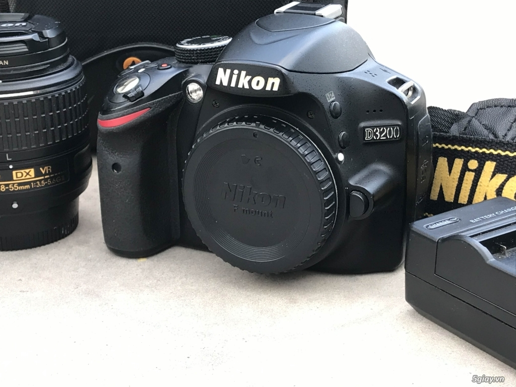 Cần bán Combo Nikon D3200 + Kit 18-55VR + Prime 50 1.8D